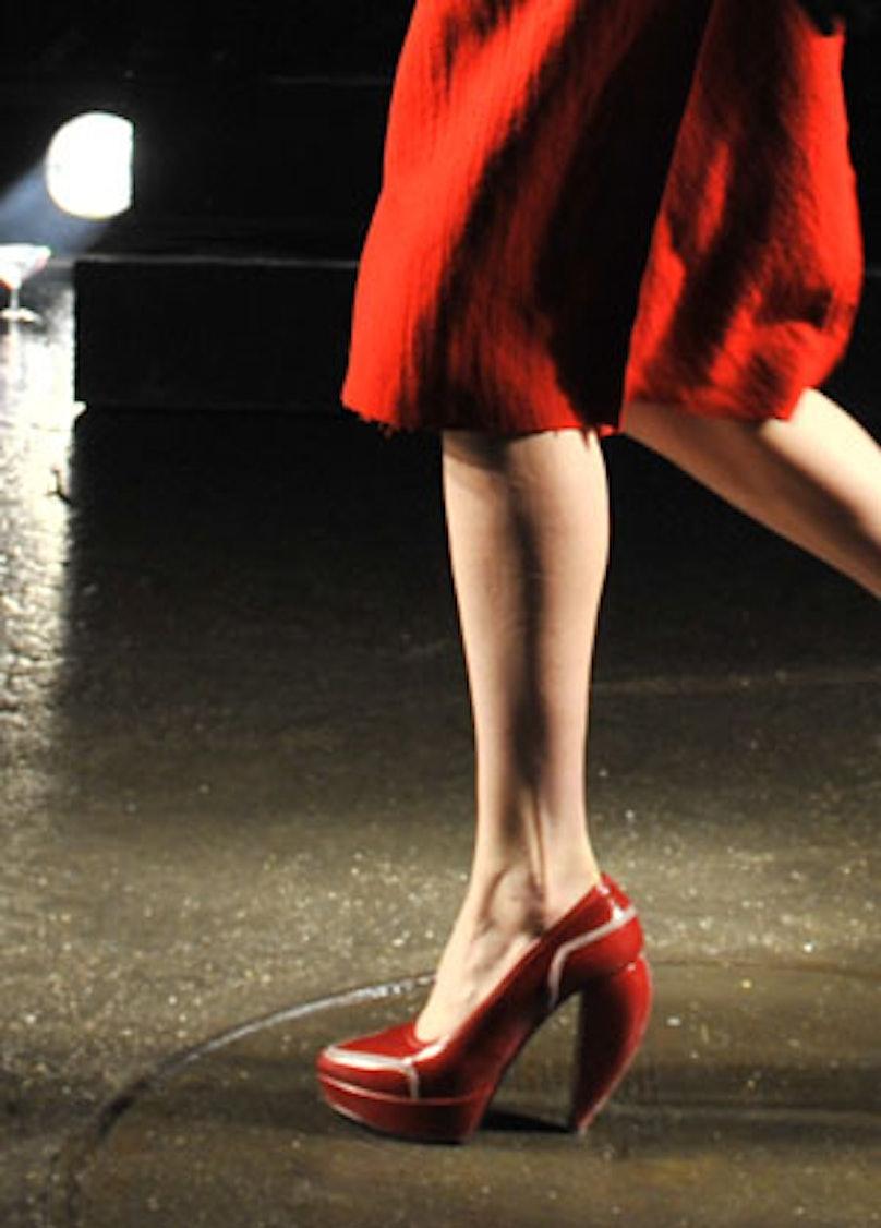 acss_runway_shoes_08_v.jpg