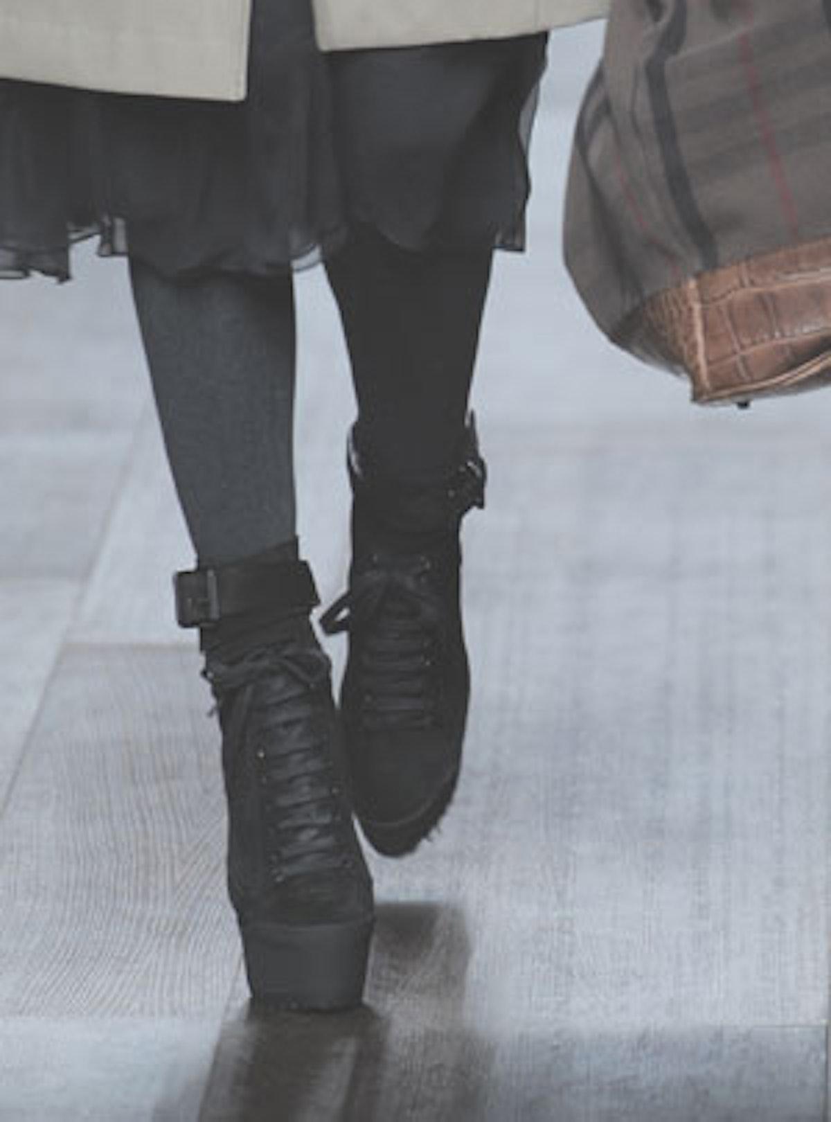 acss_runway_shoes_07_v.jpg