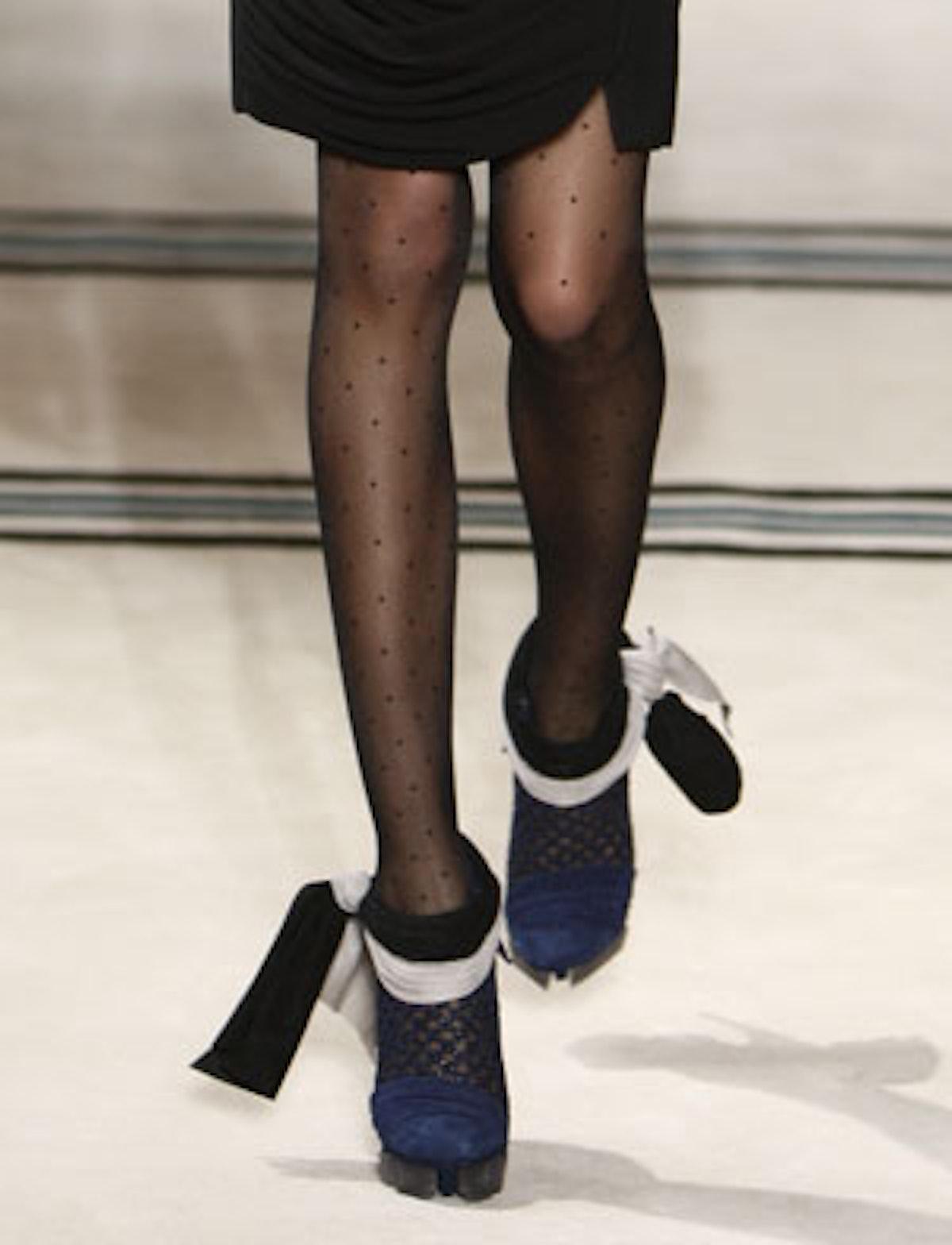 acss_runway_shoes_09_v.jpg