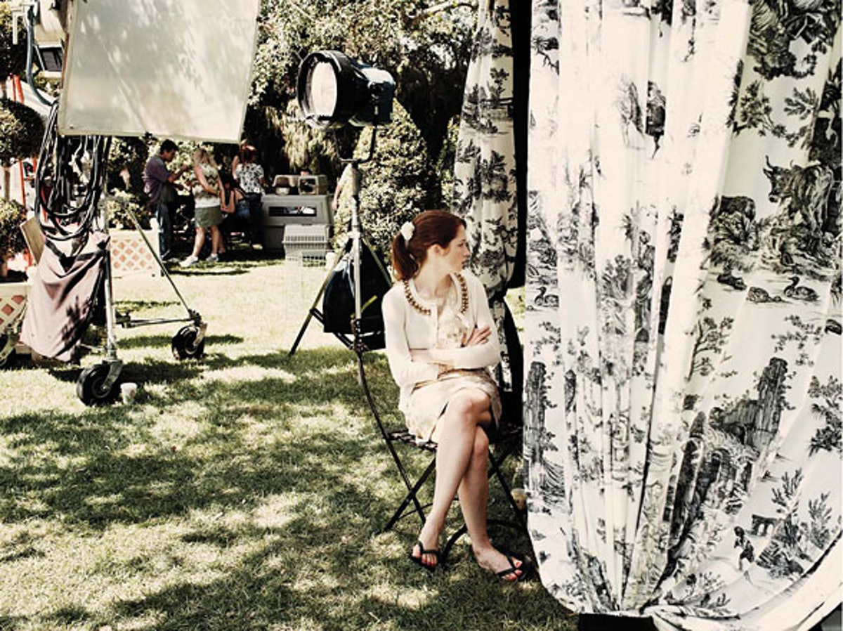 cess-on-set-bridesmaids-03-h.jpg