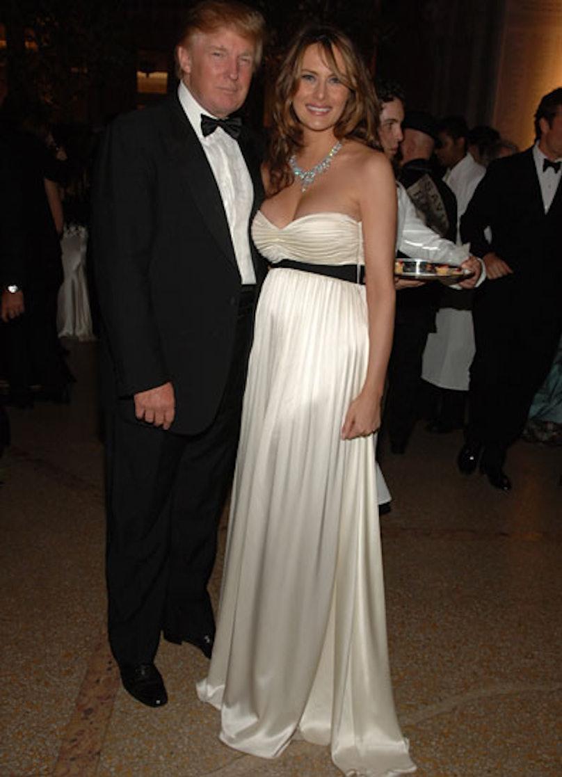 cess-outrageous-celebrity-weddings-05-v.jpg