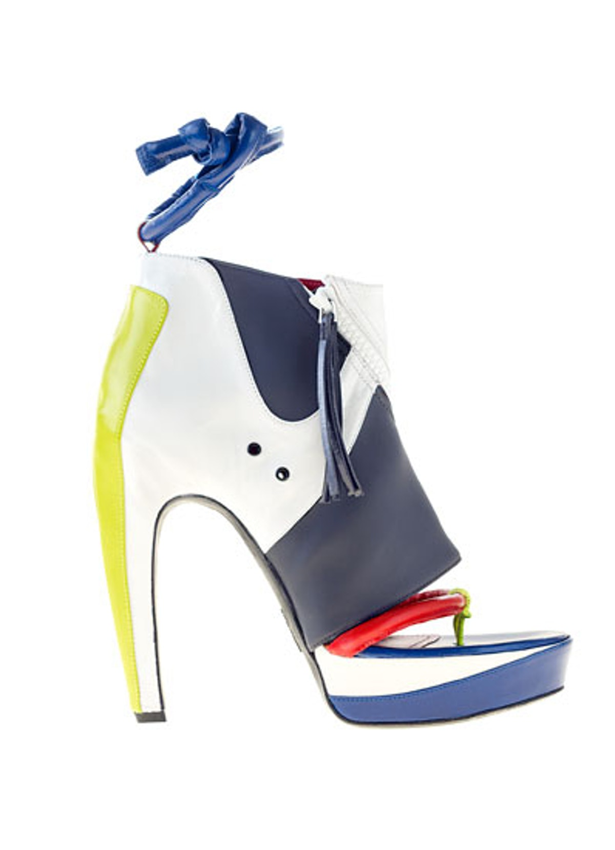 acss_shoes_02_v.jpg