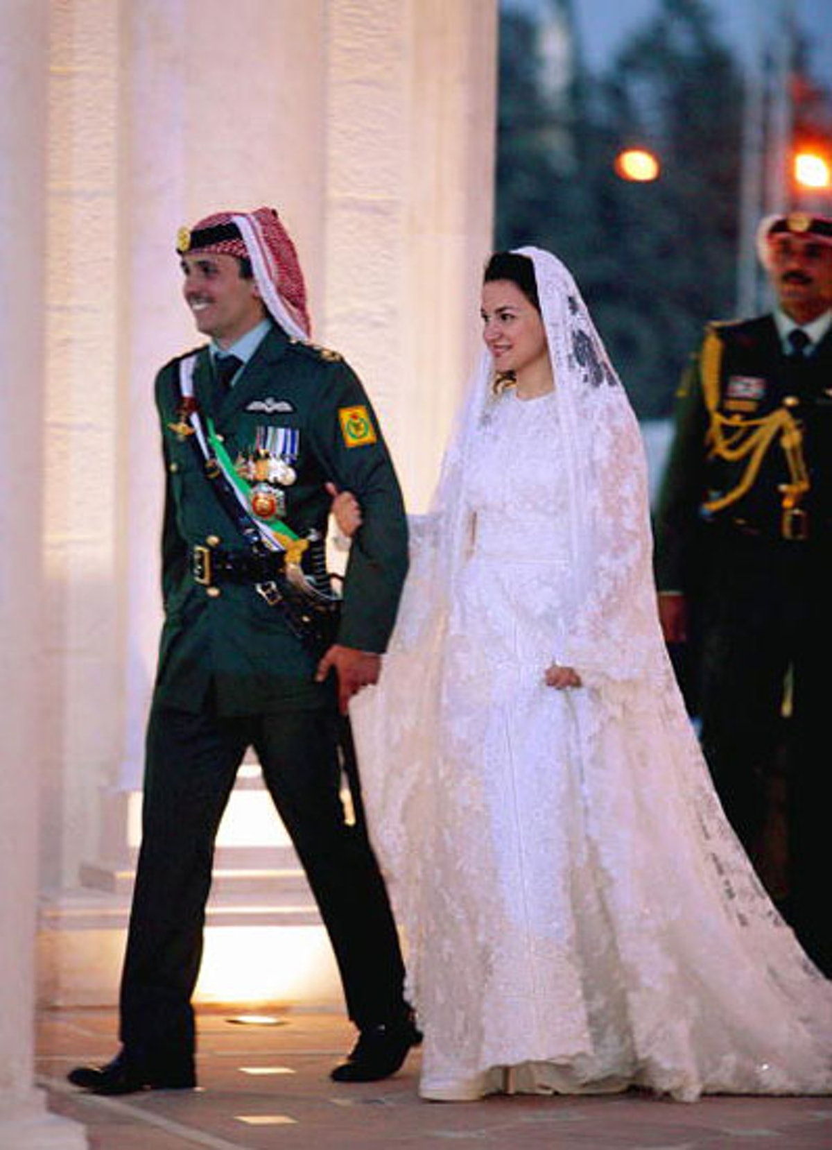 soss-royal-wedding-fashion-03-v.jpg