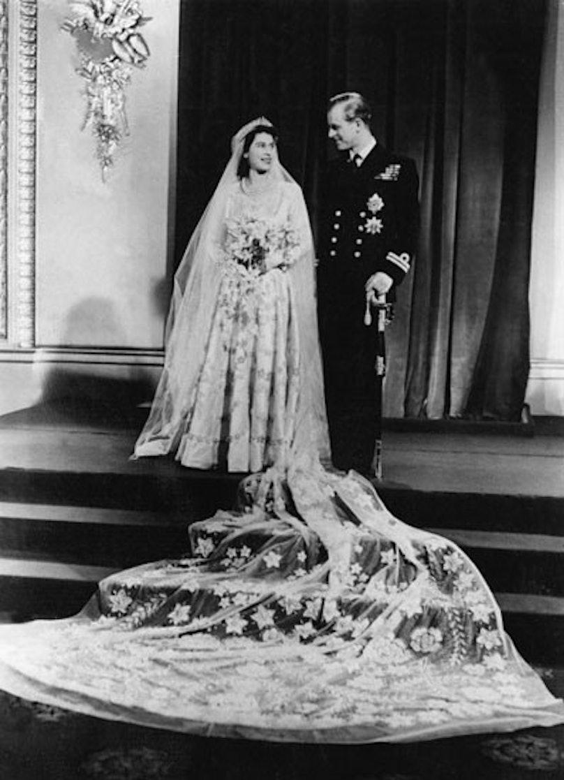 soss-royal-wedding-fashion-07-v.jpg