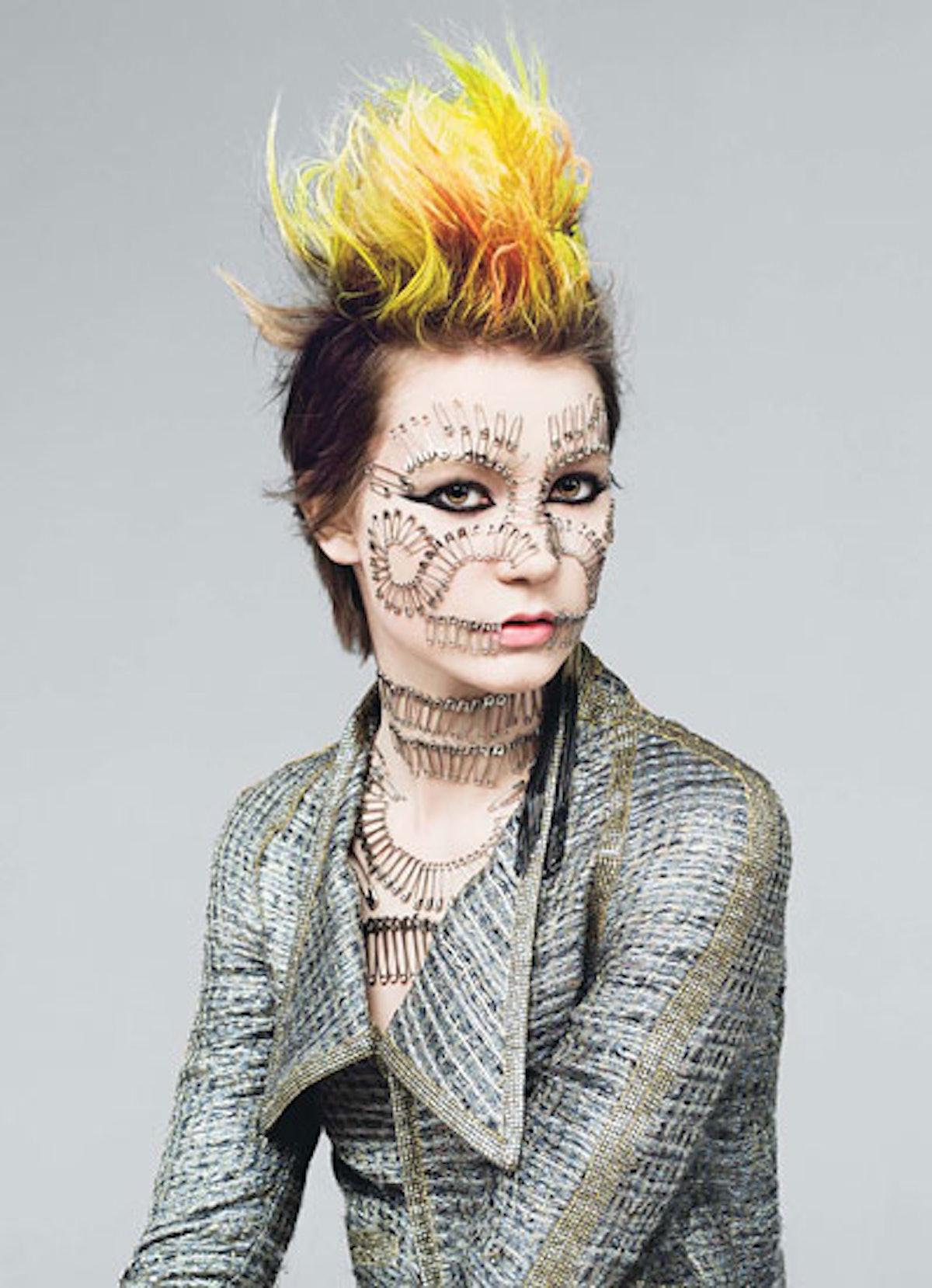 fass-mia-wasikowska-punk-01-v.jpg