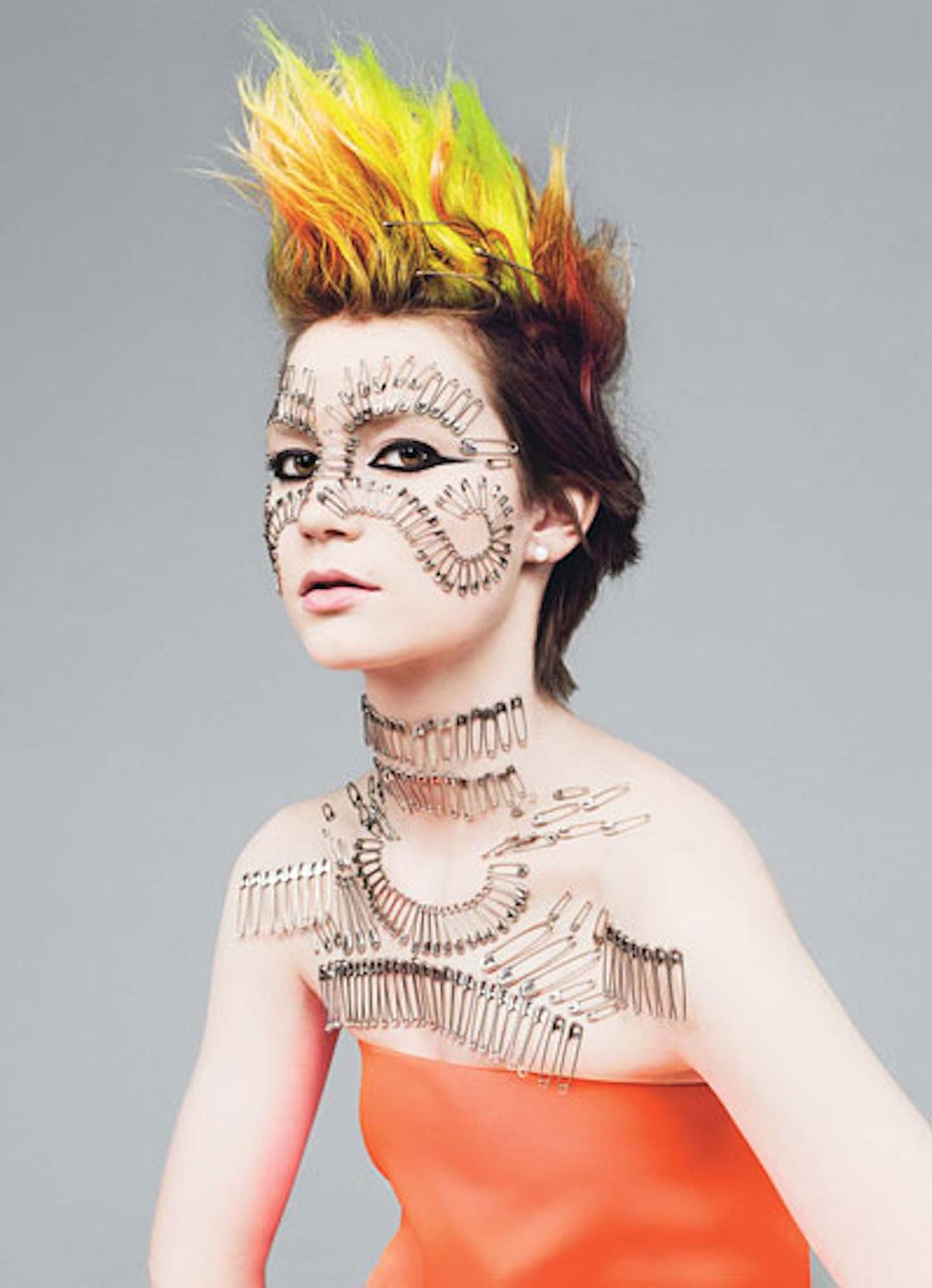 fass-mia-wasikowska-punk-04-v.jpg