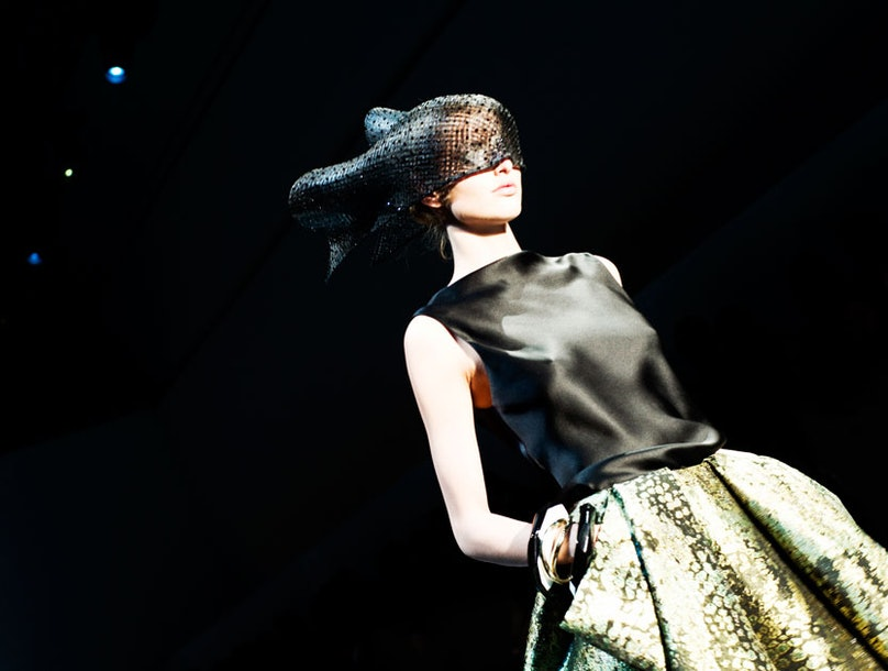 fass-armani-spring-2012-couture-10-l.jpg