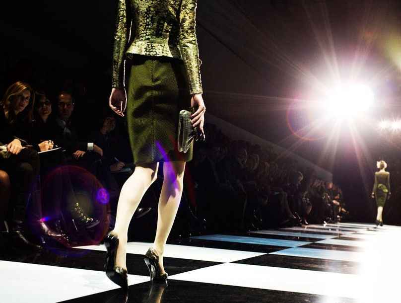 fass-armani-spring-2012-couture-09-l.jpg