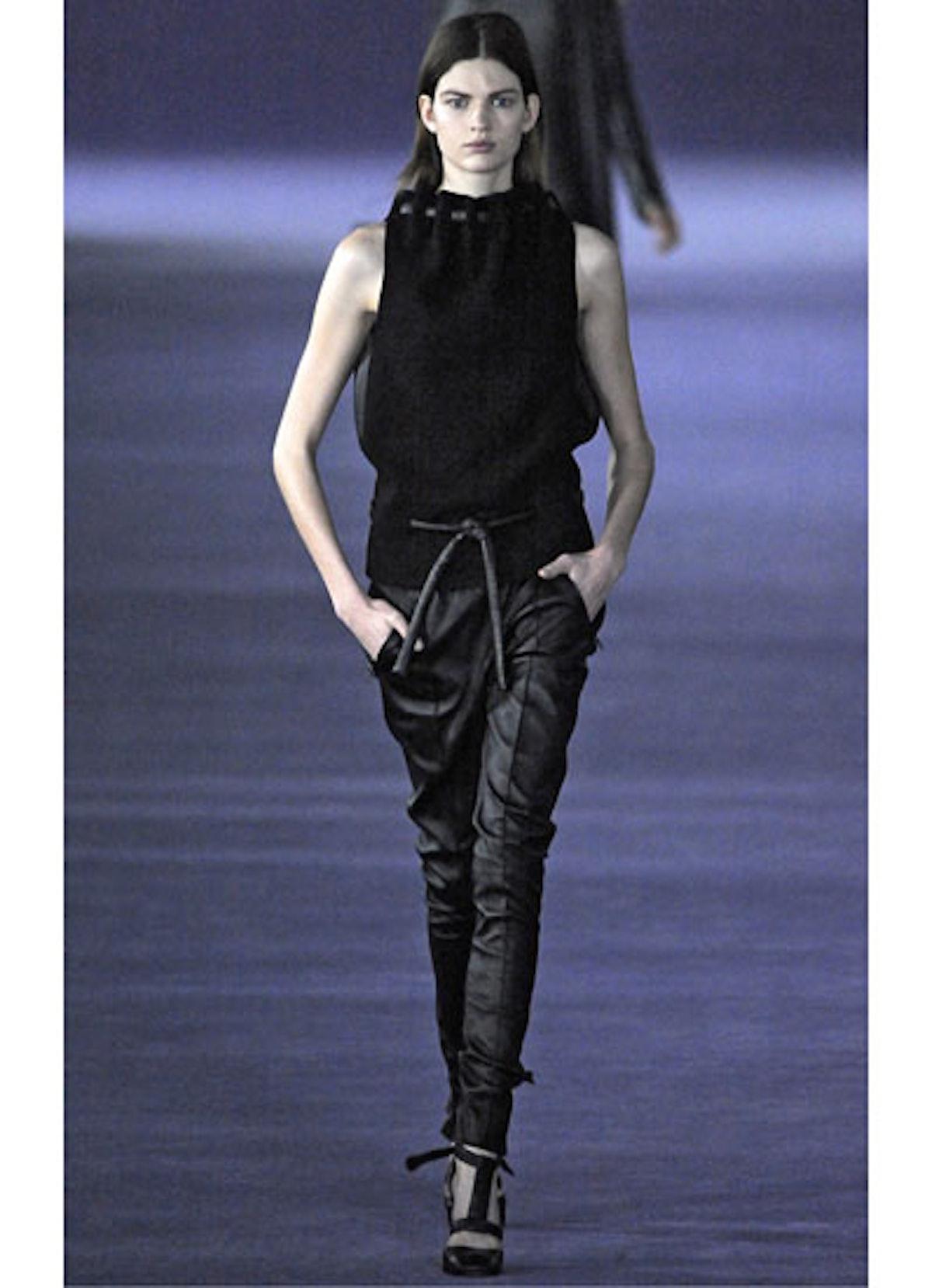fass-christopher-kane-fall-2012-runway-04-v.jpg