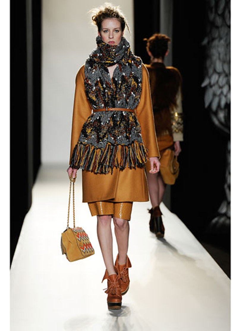 fass-mulberry-fall-2012-runway-03-v.jpg