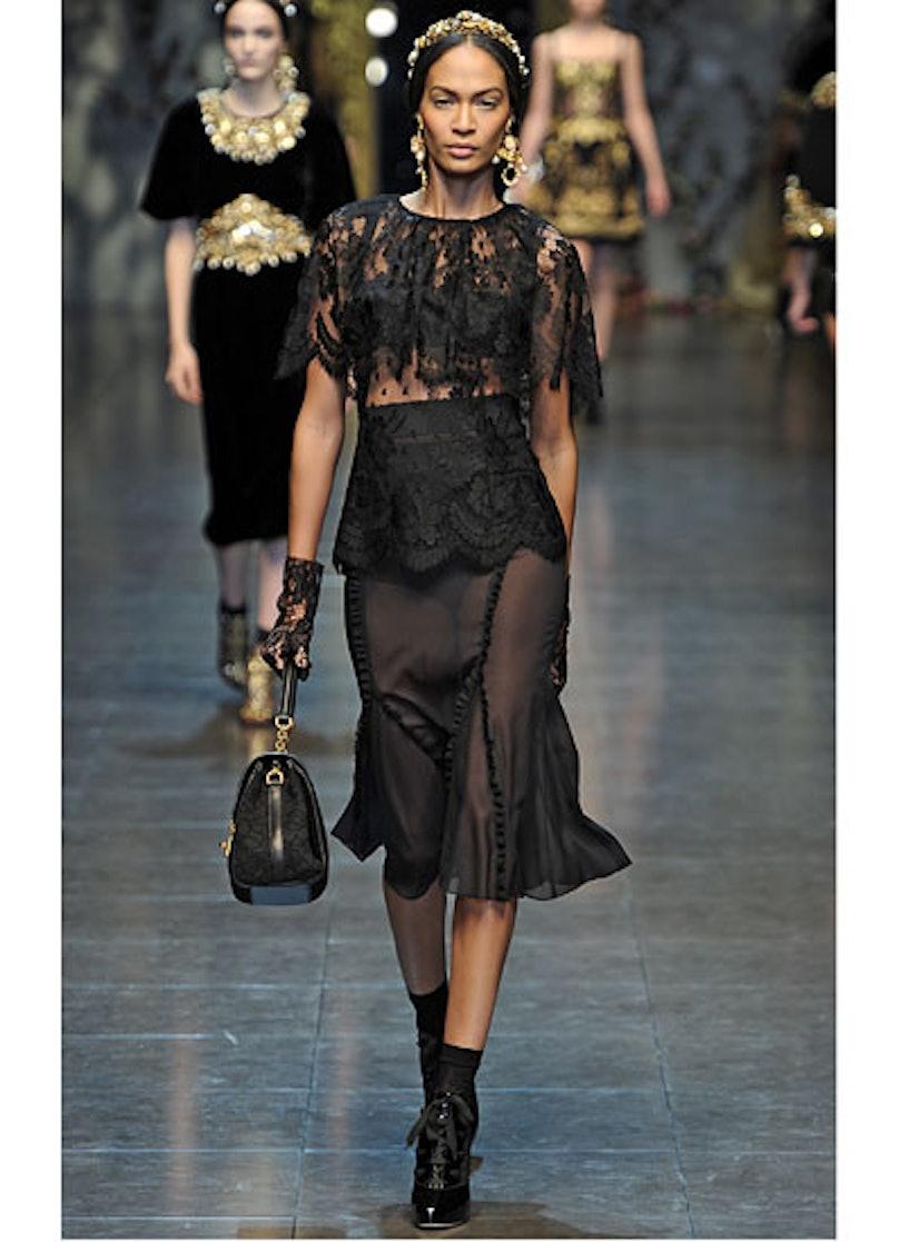 fass-dolce-and-gabbana-fall-2012-runway-04-v.jpg