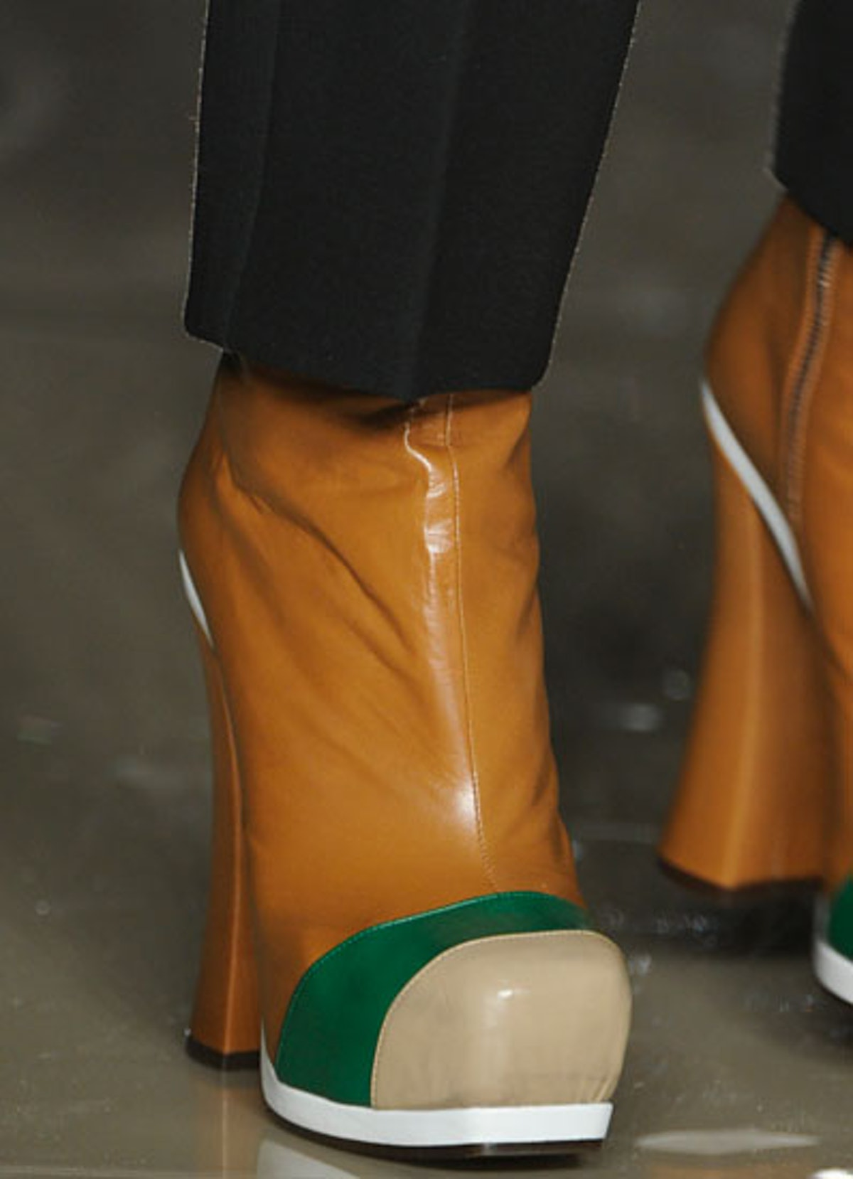 acss-fall-2012-accessories-roundup-19-v.jpg