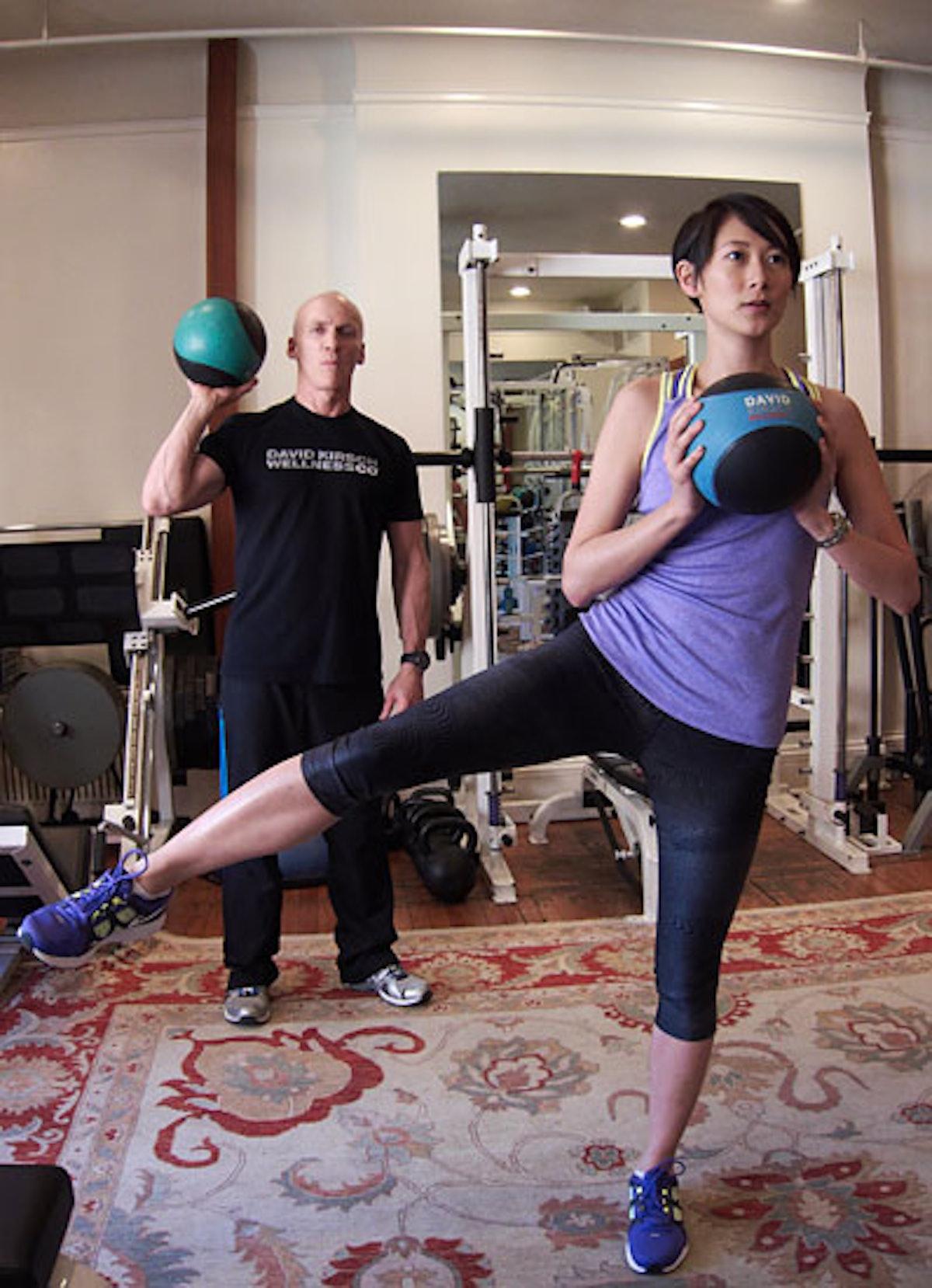 bess-christina-han-booty-workout-01-v.jpg