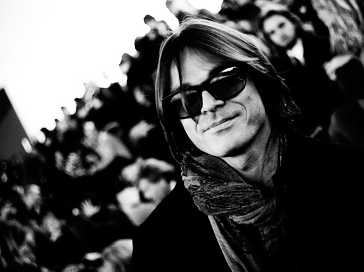 fass-christian-dior-fall-2012-backstage-07-h.jpg