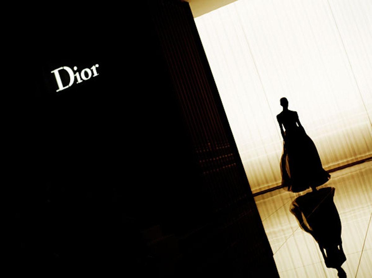 fass-christian-dior-fall-2012-backstage-16-h.jpg