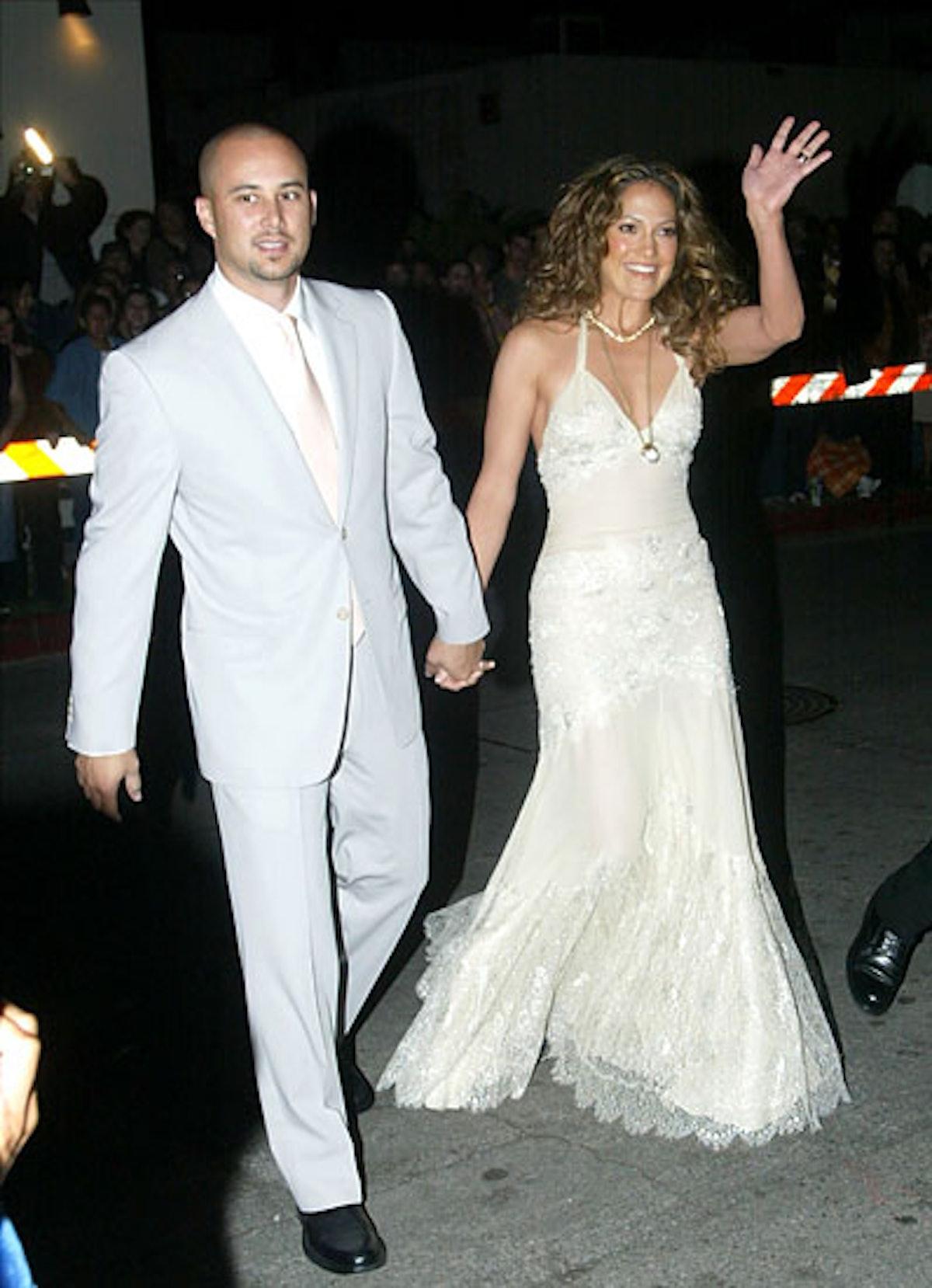cess-shortest-celebrity-weddings-15-v.jpg