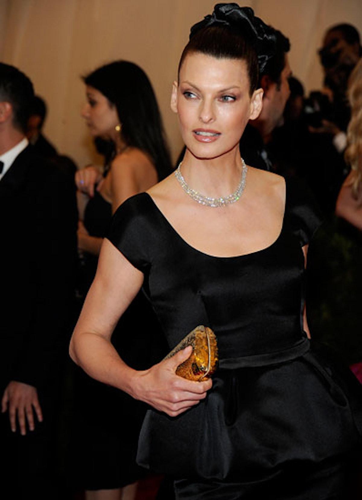 pass-met-costume-institute-gala-2012-67-v.jpg