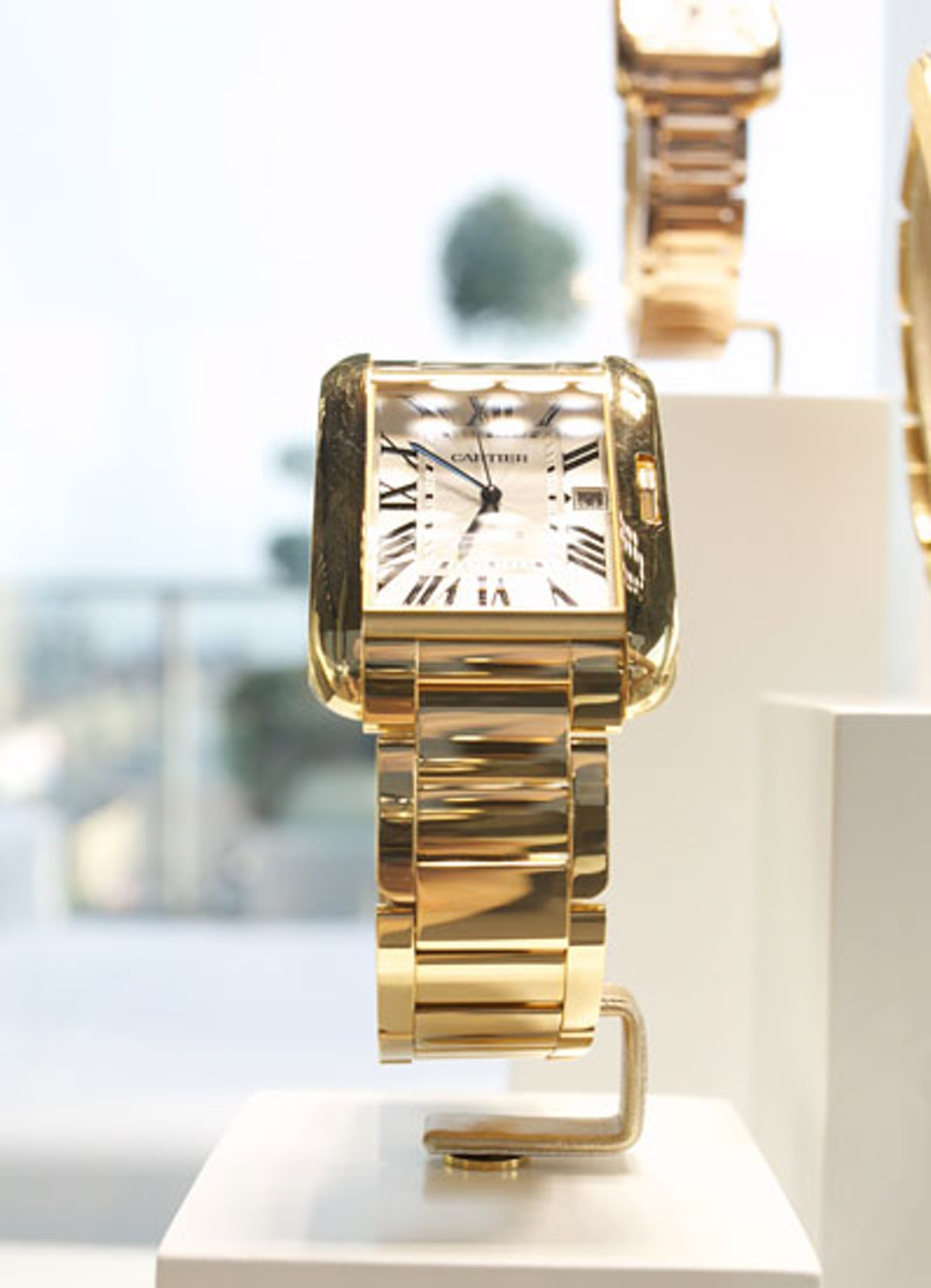 pass-cartier-tank-anglaise-party-07-v.jpg