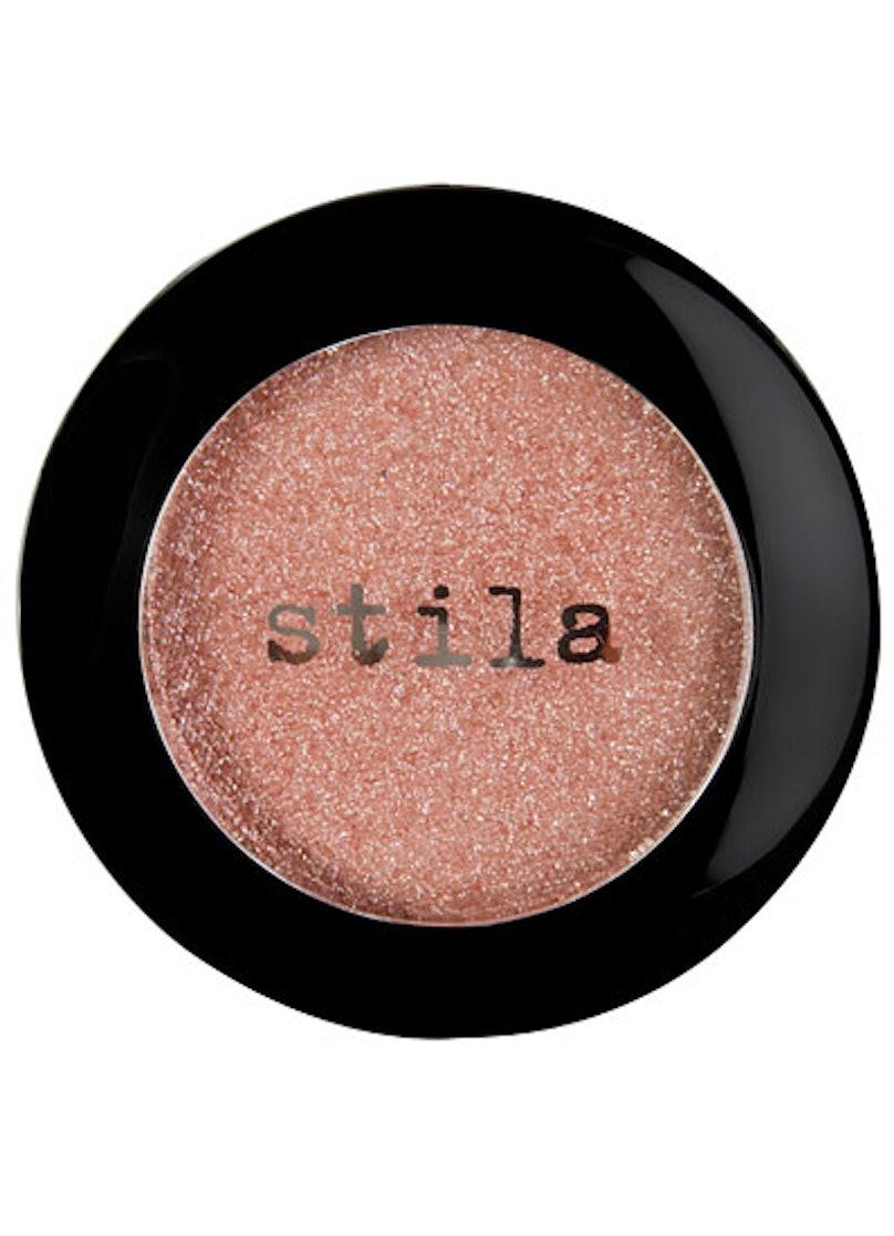 bess-shimmery-makeup-08-v.jpg