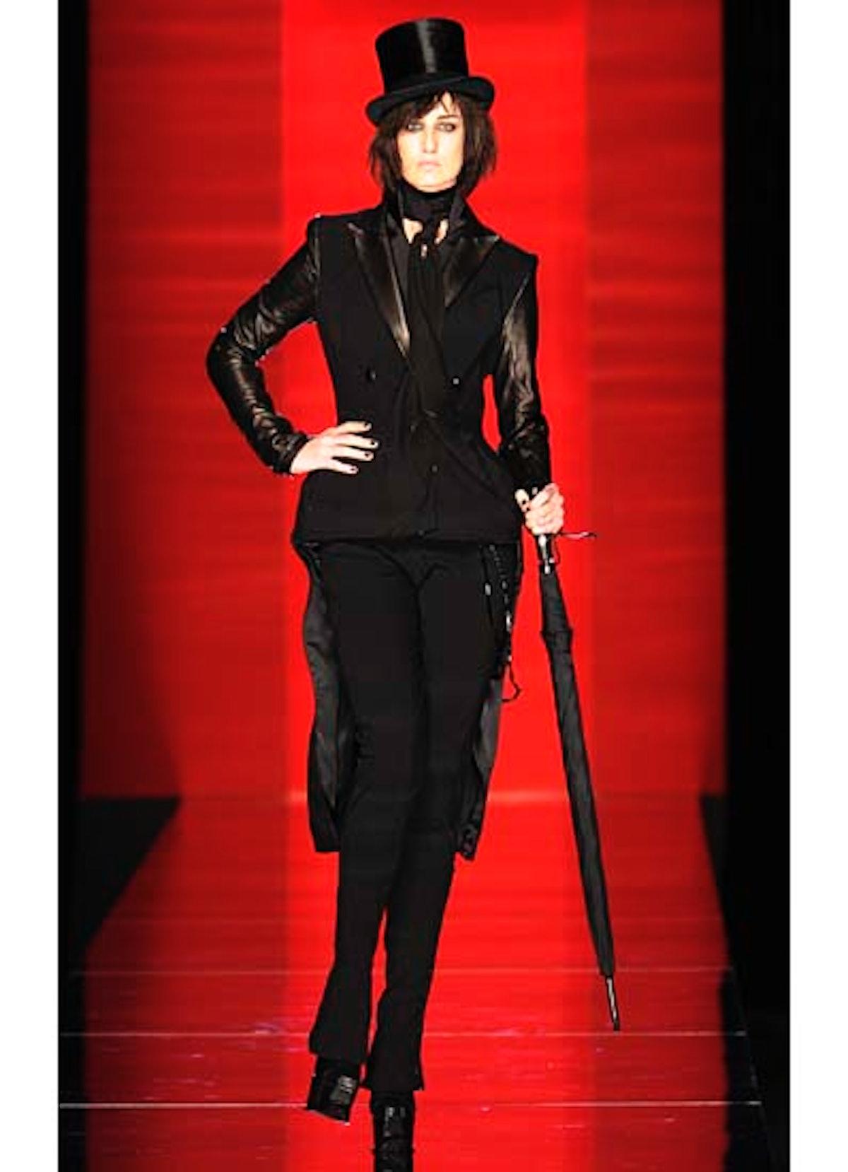 fass-jean-paul-gaultier-couture-2012-runway-01-v.jpg