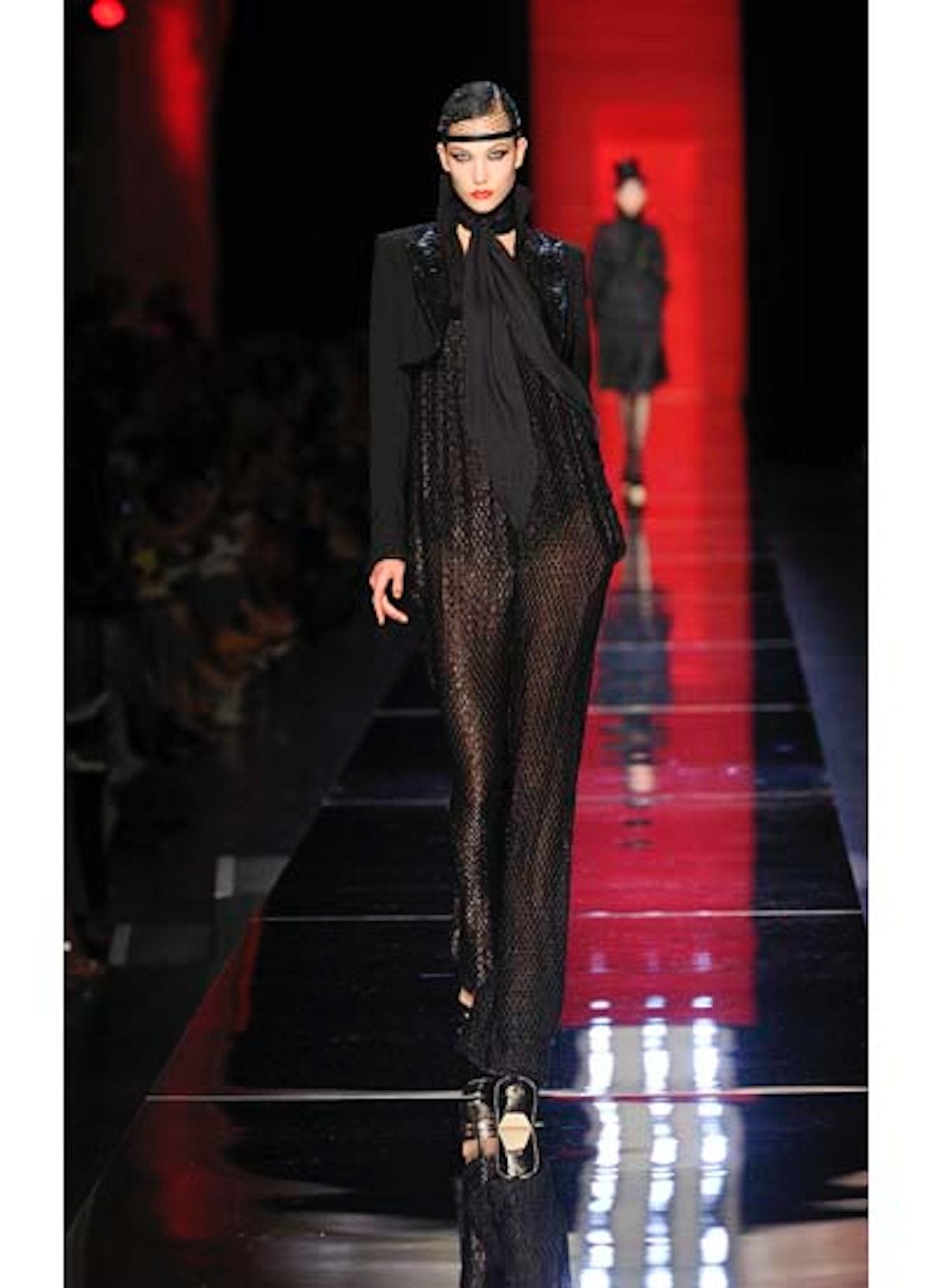 fass-jean-paul-gaultier-couture-2012-runway-05-v.jpg