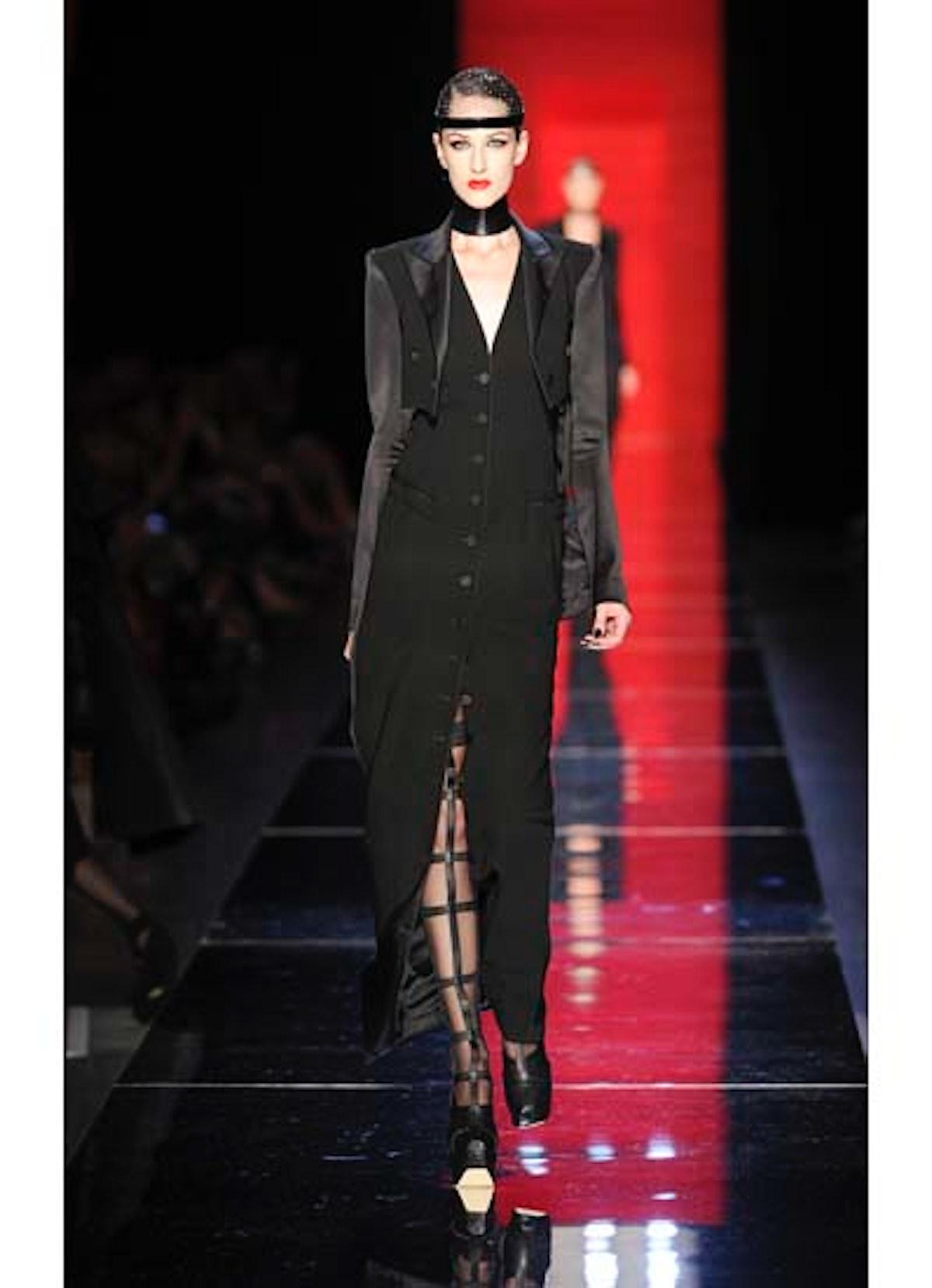 fass-jean-paul-gaultier-couture-2012-runway-07-v.jpg