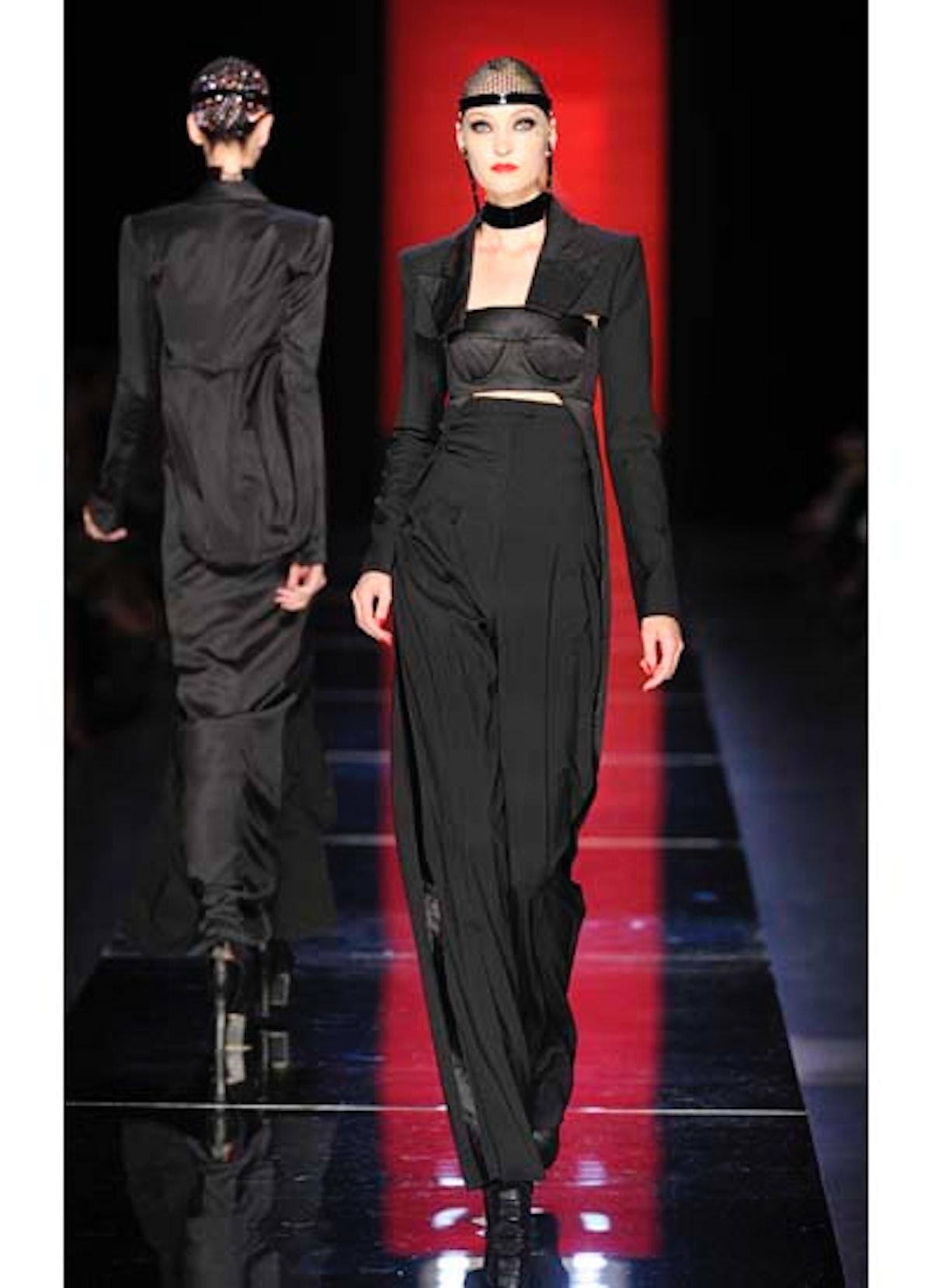 fass-jean-paul-gaultier-couture-2012-runway-08-v.jpg