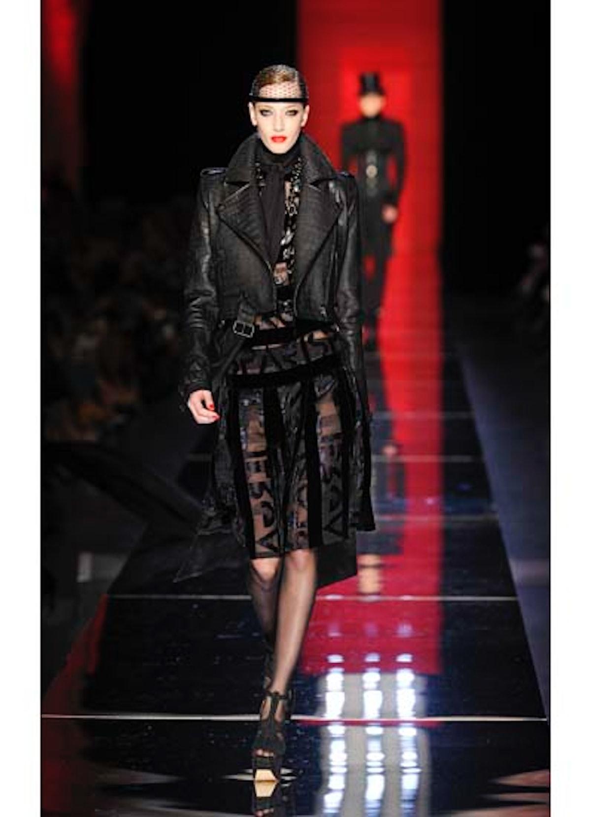 fass-jean-paul-gaultier-couture-2012-runway-10-v.jpg