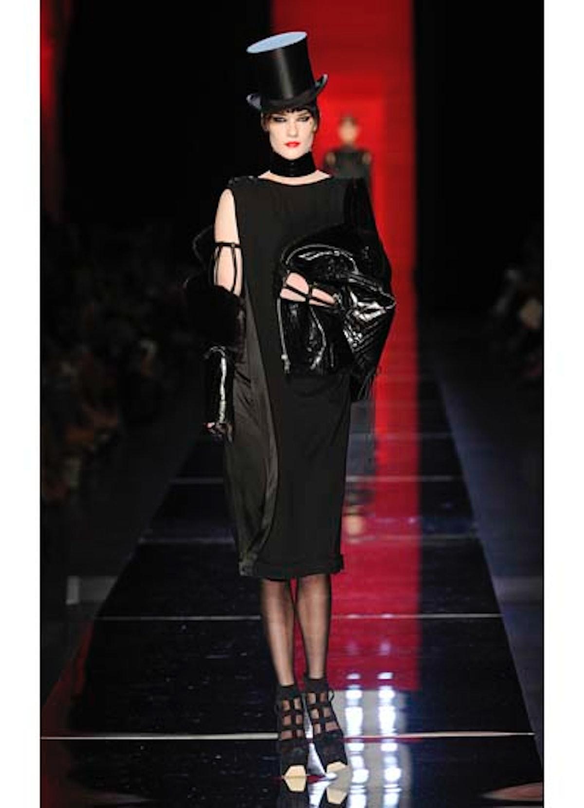 fass-jean-paul-gaultier-couture-2012-runway-14-v.jpg
