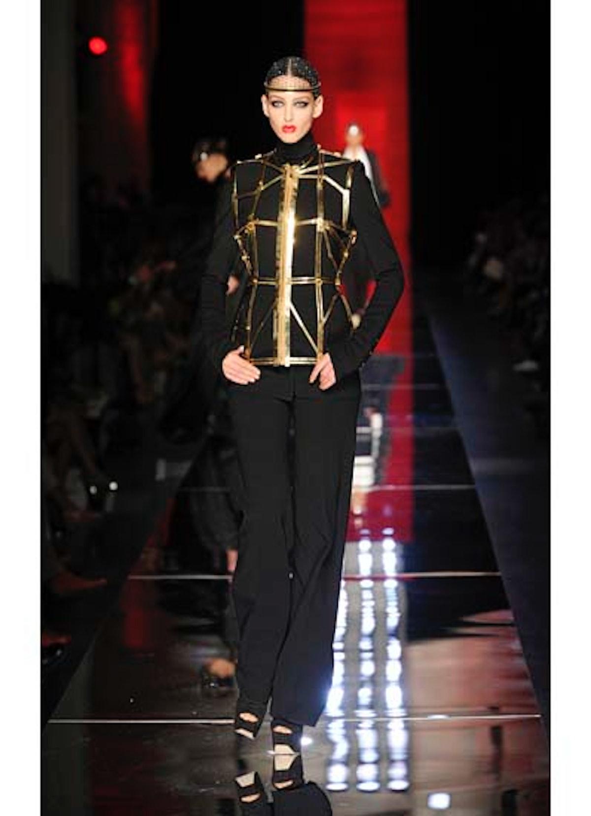fass-jean-paul-gaultier-couture-2012-runway-16-v.jpg