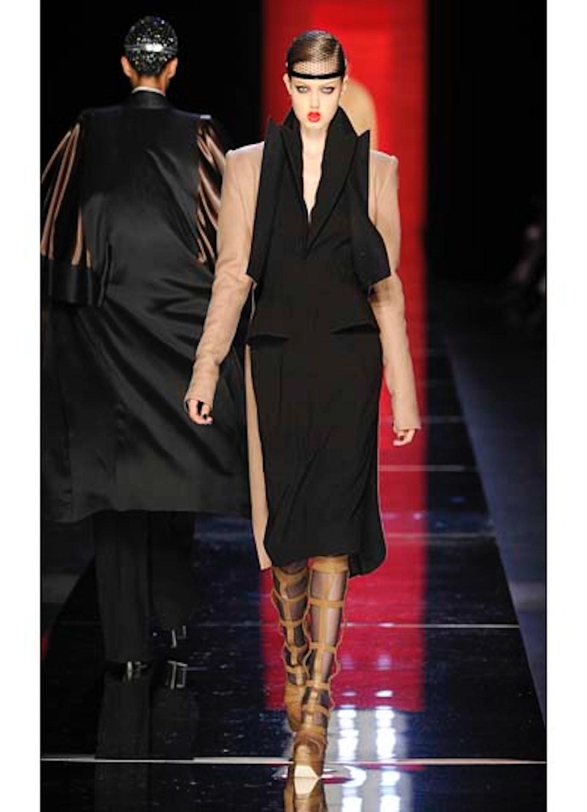 fass-jean-paul-gaultier-couture-2012-runway-18-v.jpg
