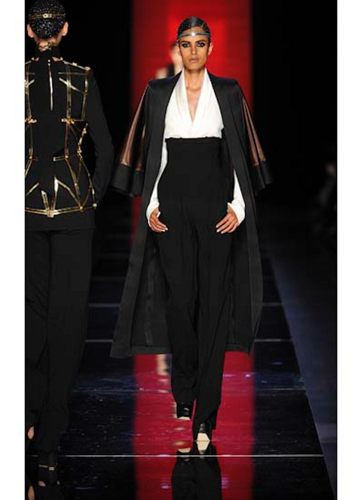 fass-jean-paul-gaultier-couture-2012-runway-17-v.jpg