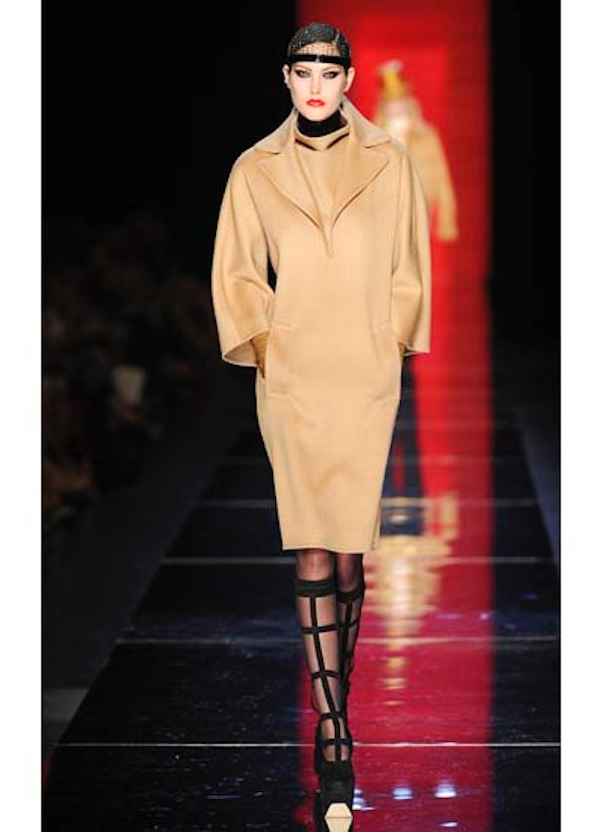fass-jean-paul-gaultier-couture-2012-runway-19-v.jpg