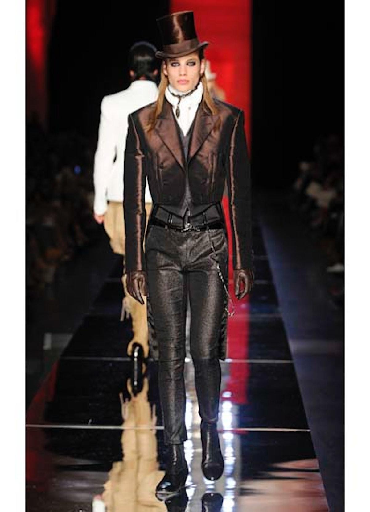 fass-jean-paul-gaultier-couture-2012-runway-22-v.jpg
