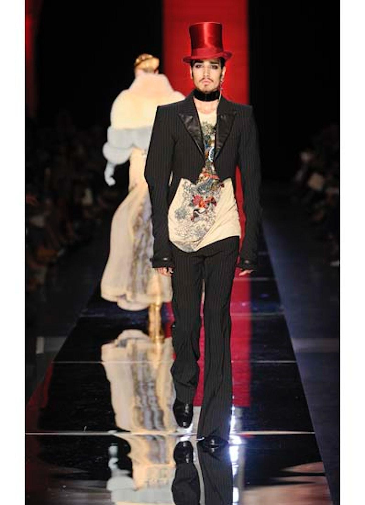 fass-jean-paul-gaultier-couture-2012-runway-25-v.jpg
