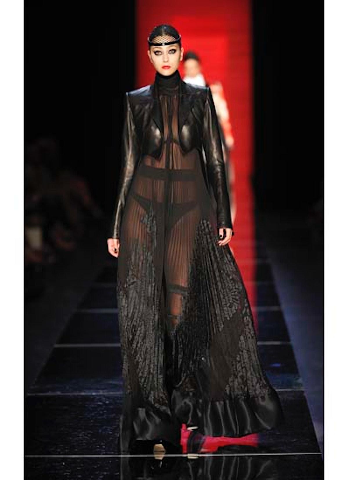 fass-jean-paul-gaultier-couture-2012-runway-34-v.jpg