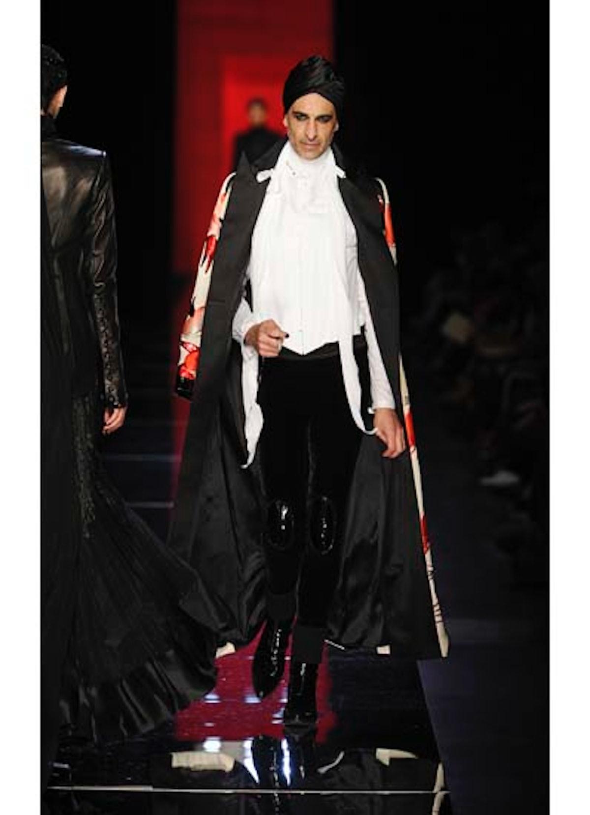 fass-jean-paul-gaultier-couture-2012-runway-35-v.jpg