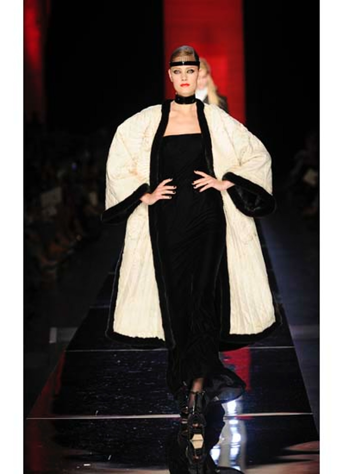 fass-jean-paul-gaultier-couture-2012-runway-38-v.jpg