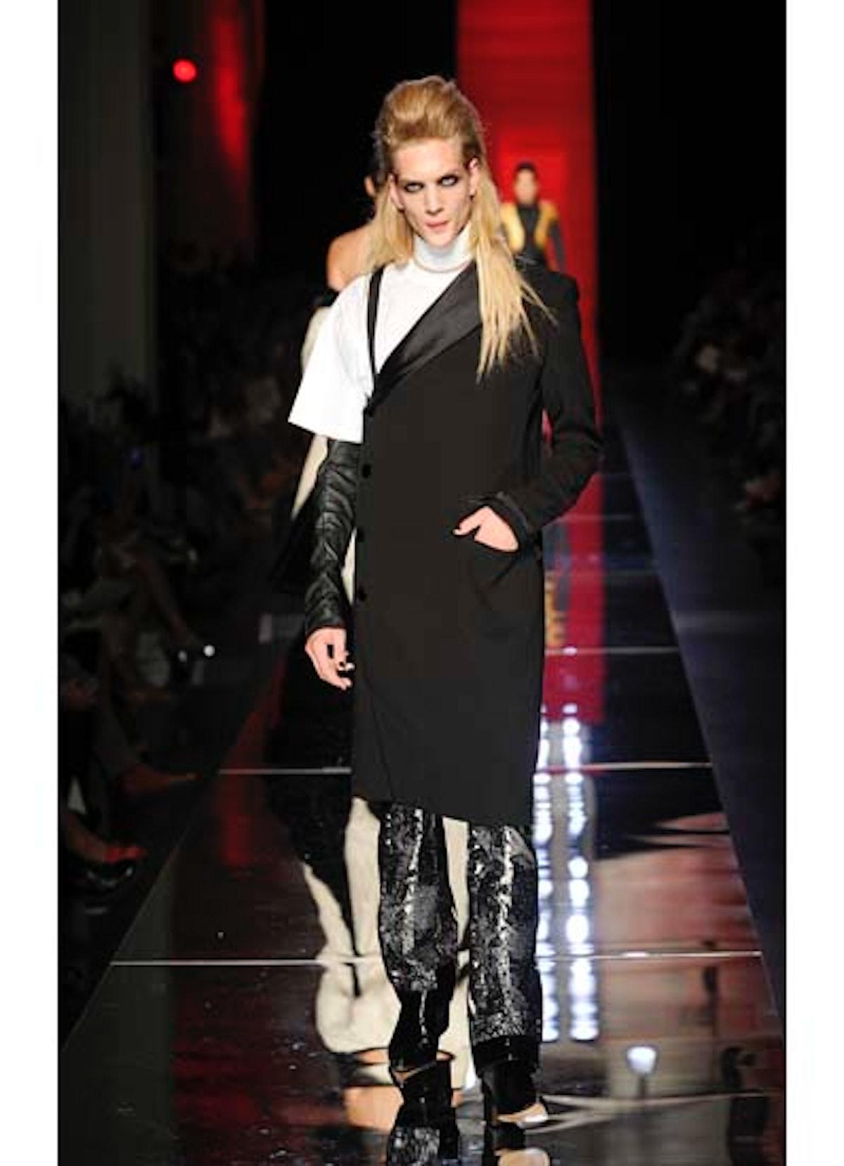fass-jean-paul-gaultier-couture-2012-runway-39-v.jpg