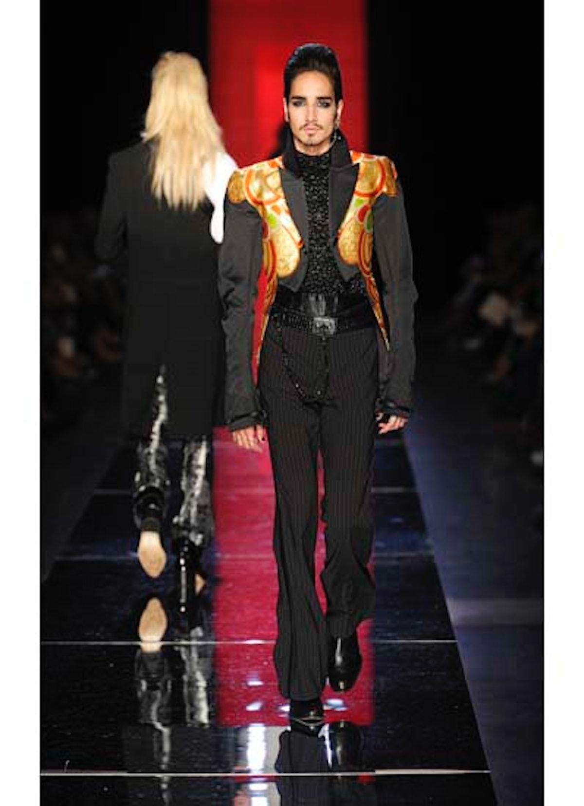 fass-jean-paul-gaultier-couture-2012-runway-40-v.jpg