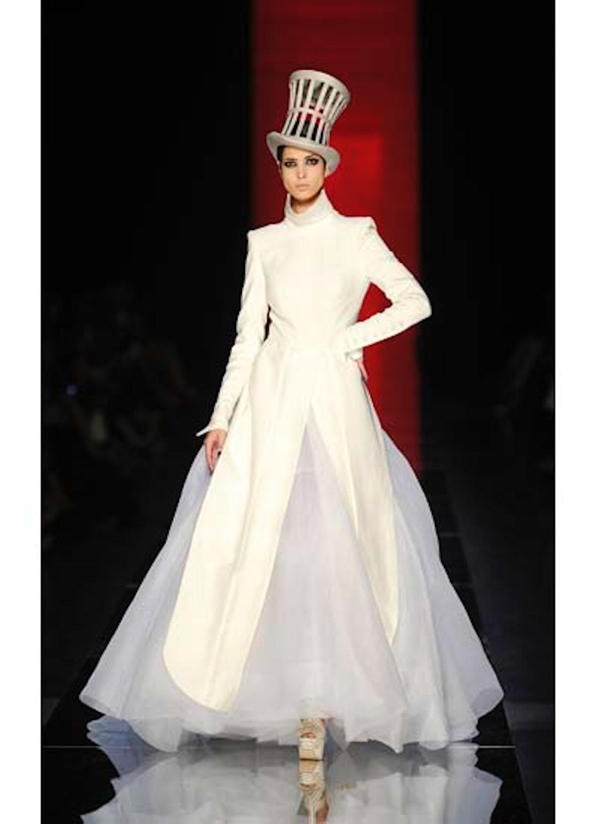 fass-jean-paul-gaultier-couture-2012-runway-58-v.jpg