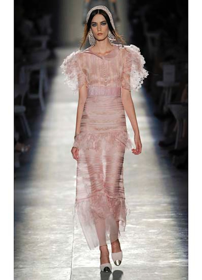 fass-chanel-couture-2012-runway-58-v.jpg