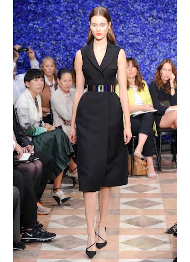fass-dior-couture-2012-runway-04-v.jpg