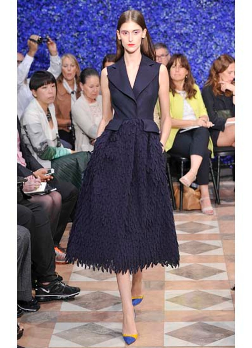 fass-dior-couture-2012-runway-13-v.jpg