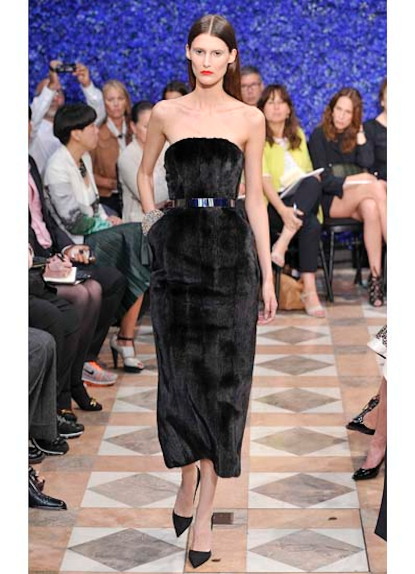 fass-dior-couture-2012-runway-29-v.jpg