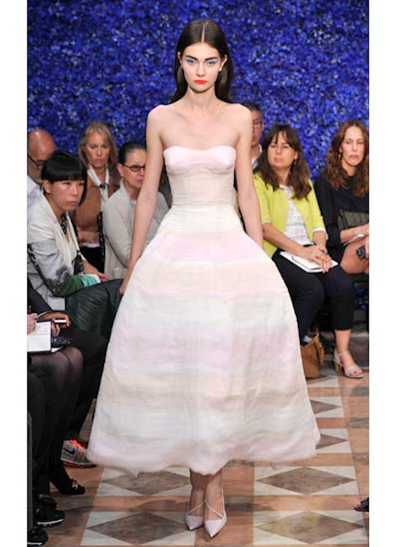 fass-dior-couture-2012-runway-46-v.jpg