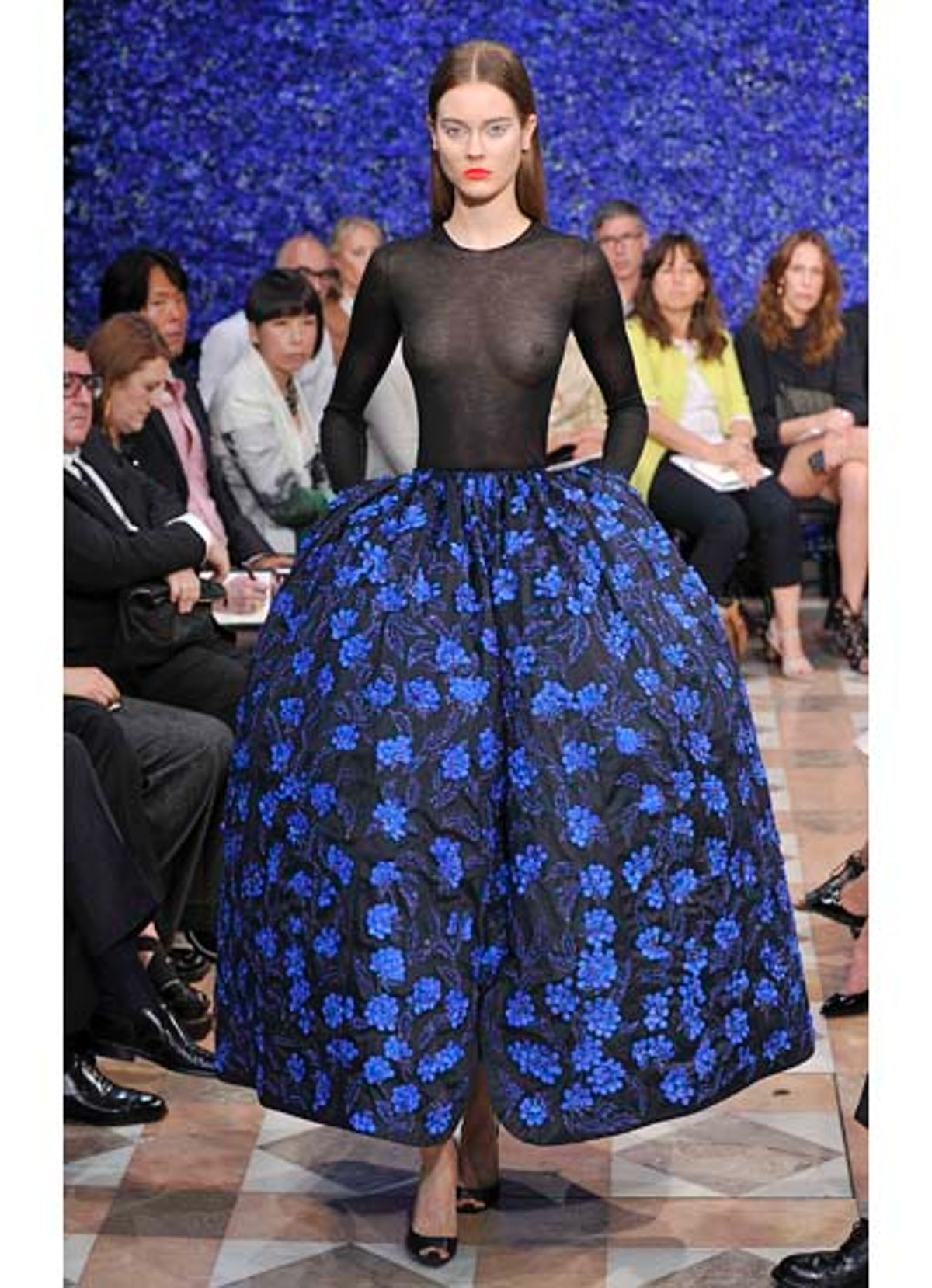 fass-dior-couture-2012-runway-48-v.jpg
