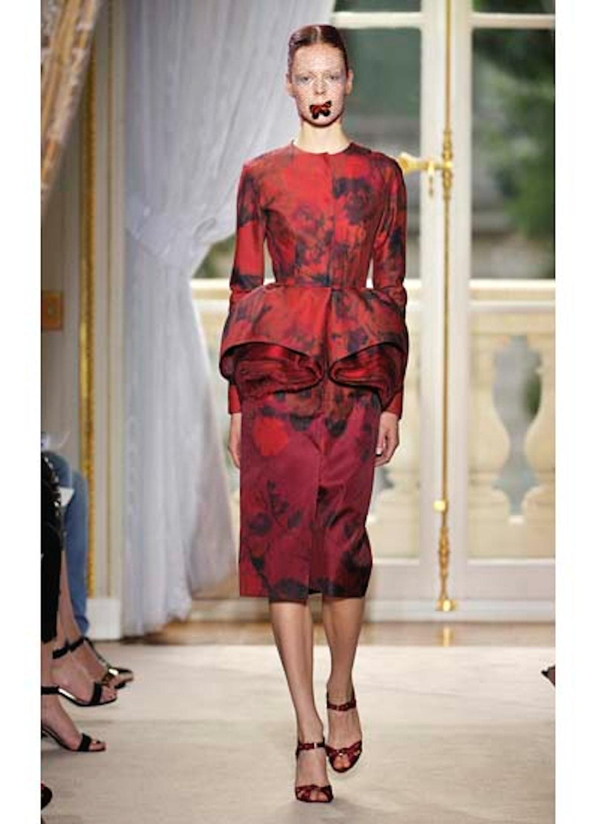 fass-giambattista-valli-couture-2012-runway-05-v.jpg