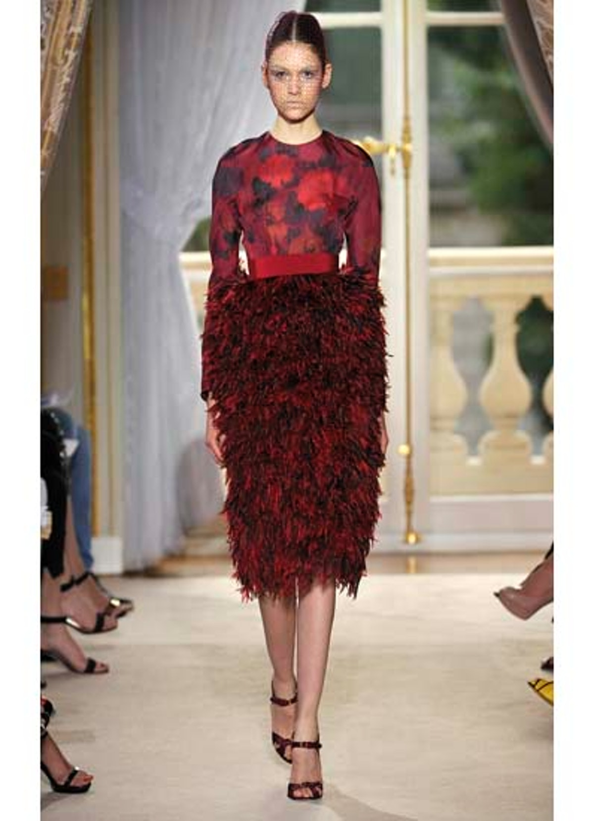 fass-giambattista-valli-couture-2012-runway-03-v.jpg