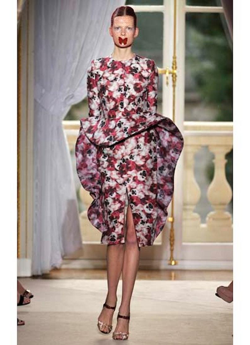 fass-giambattista-valli-couture-2012-runway-08-v.jpg